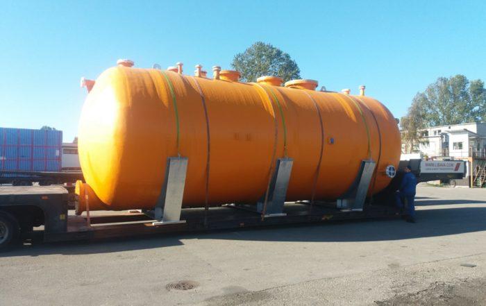 Перевозка крупногабаритной емкости для хранения щелочей и кислот